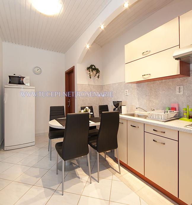 apartments Rosemarie, Tučepi - dining room
