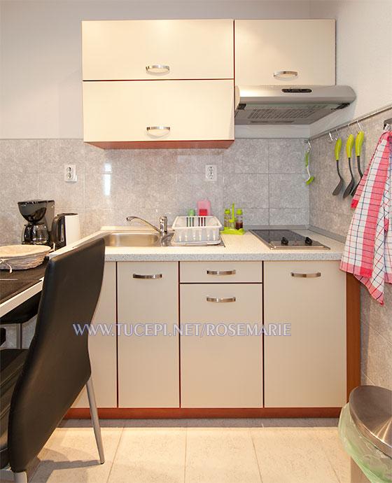 apartments Rosemarie, Tučepi - kitchen