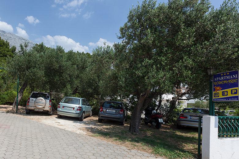 apartments Rosemarie, Tučepi - parking
