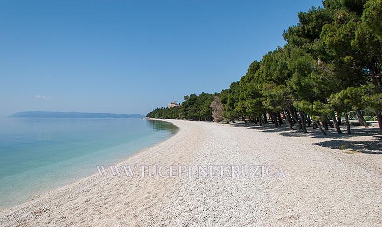 Beach Slatina in Tučepi, empty and beautiful