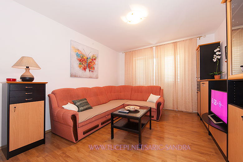 Apartments Sandra Šarić, Tučepi - living room