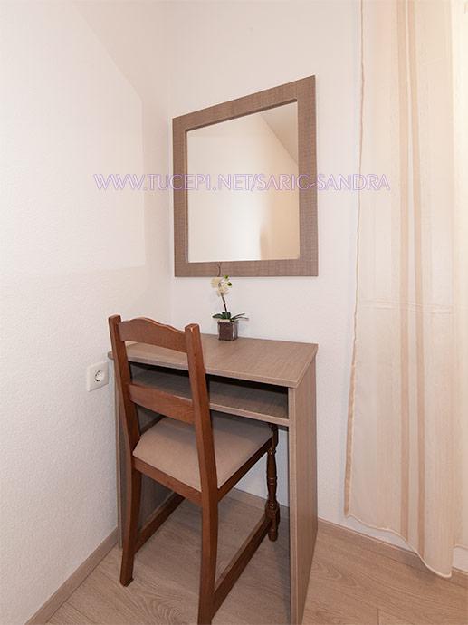 Apartments Sandra Šarić, Tučepi - bedroom