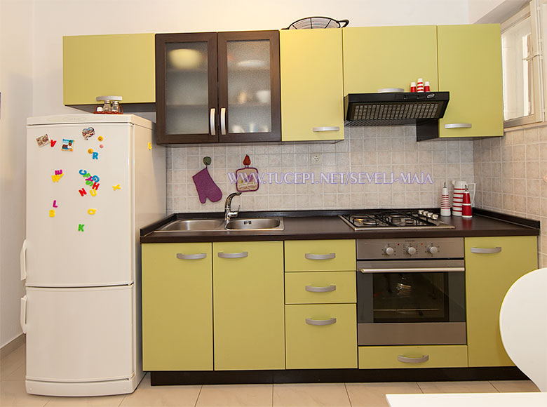 kitchen - apartments Maja Ševelj, Tučepi