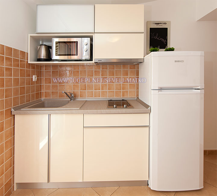 apartments Matko Ševelj, Tučepi - kitchen