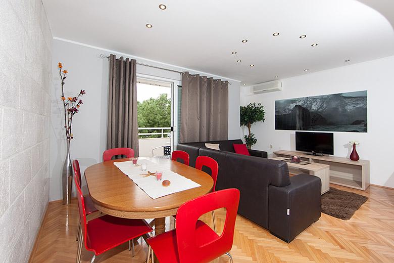 dining and living room, apartments Matko Ševelj, Tučepi