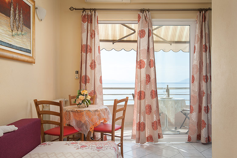 Apartments Šimić, Tučepi - living room