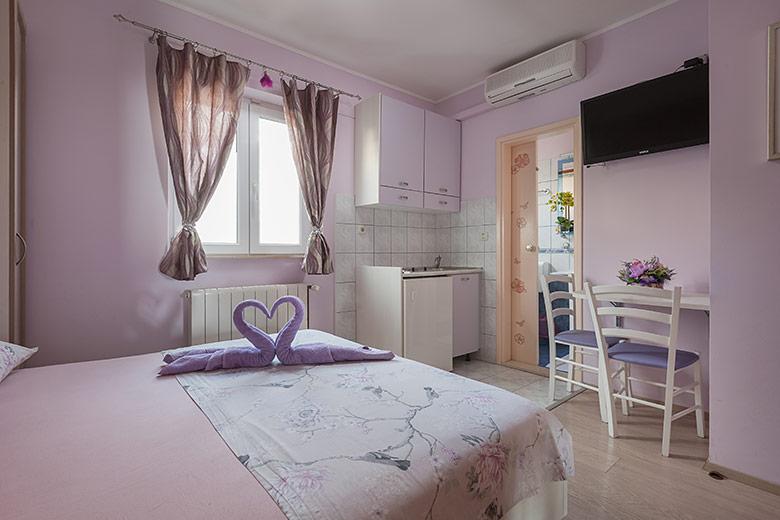 Apartments Šimić, Tučepi - bedroom