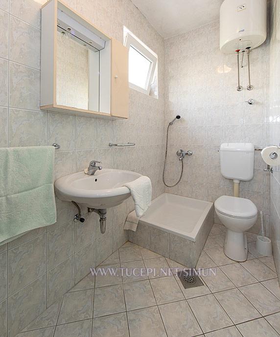 apartment Šimun Mijačika, Tučepi - bathroom