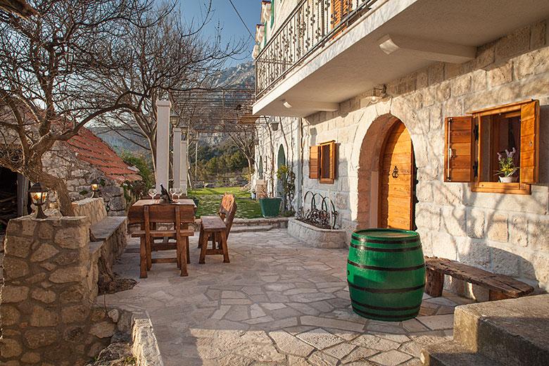 Villa Albina, Tučepi - outdoor table