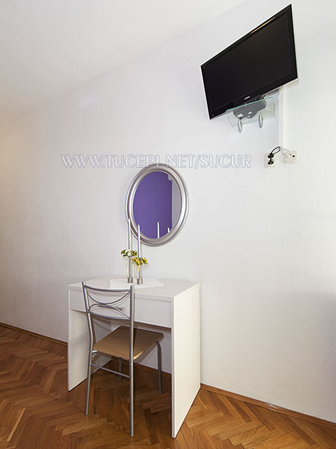 TV, dressing talbe and mirror