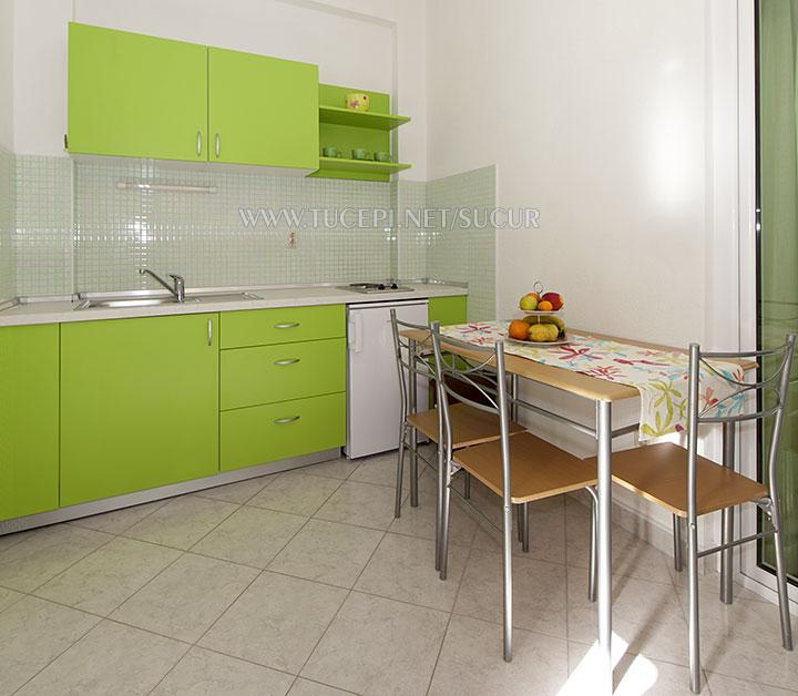 apartment Šućur, Tučepi - kitchen, dining room