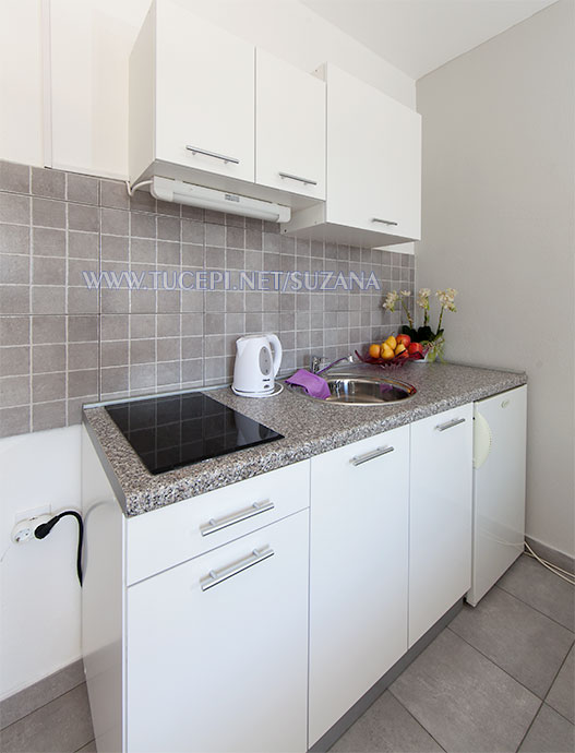 apartments Suzana, Tučepi - kitchen