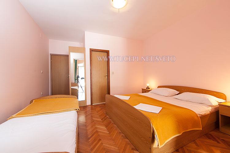 apartments Sveto, Tučepi - bedroom