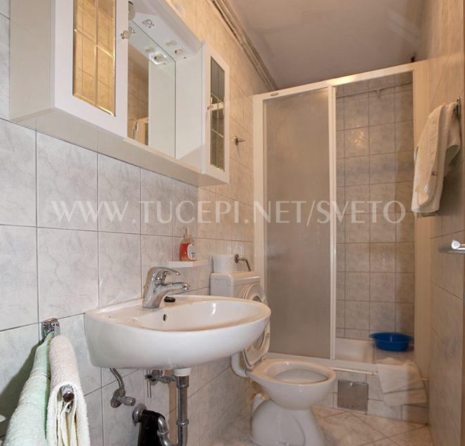 apartments Sveto, Tučepi - bathroom