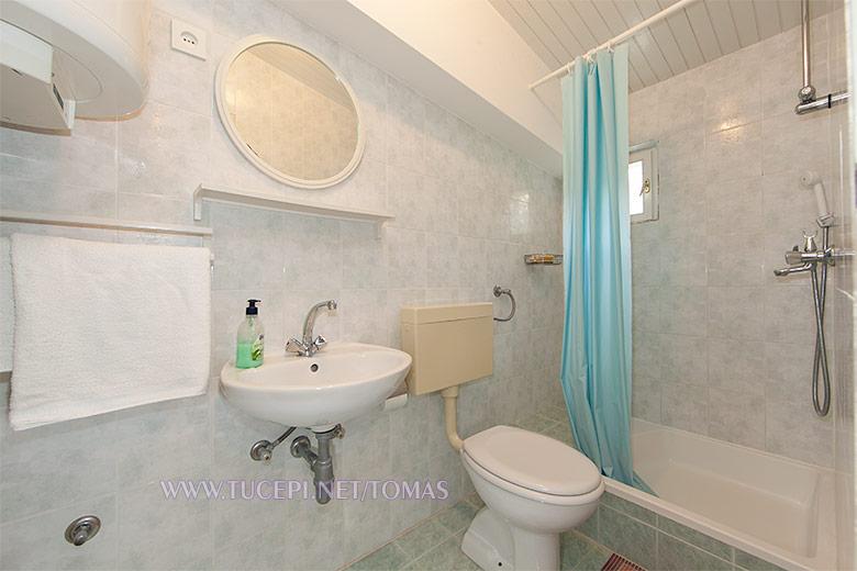 Apartments Tomaš, Tučepi - bathroom