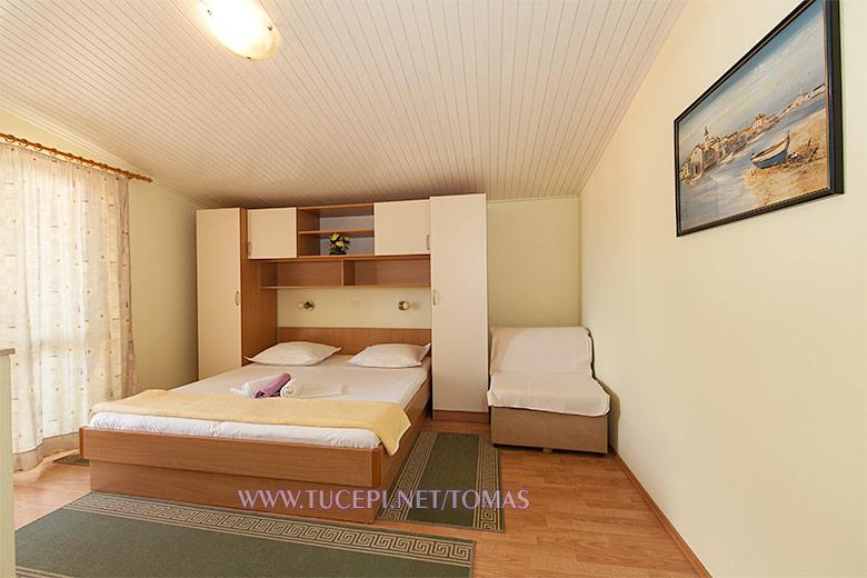 Apartments Tomaš, Tučepi - bedroom