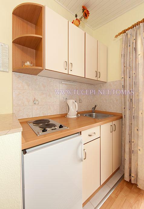 Apartments Tomaš, Tučepi - kitchen