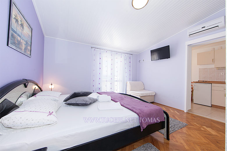 Apartments Tonći Tomaš, Tučepi - bedroom