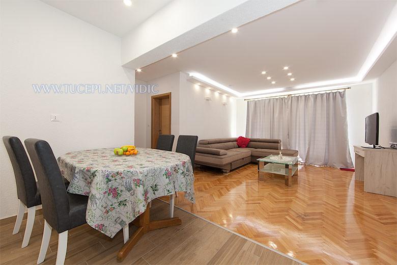 apartments Vidić, Tučepi - dining room