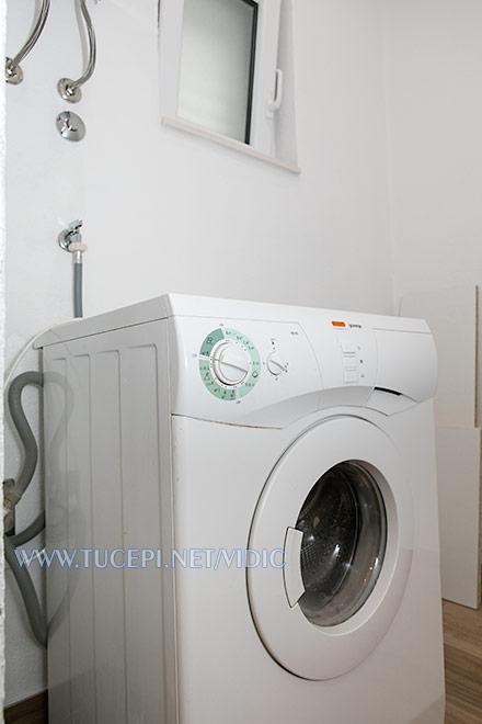 apartments Vidić, Tučepi - laundry washer