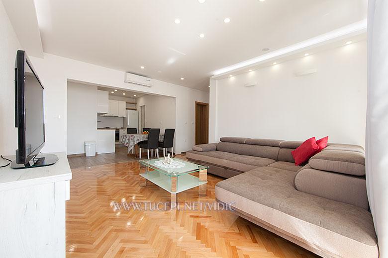 apartments Vidić, Tučepi - living room