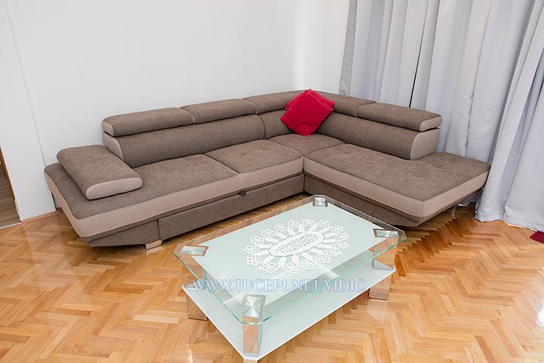 apartments Vidić, Tučepi - sofa