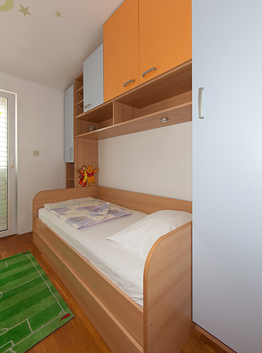 apartment Deluxe, Vila Fina, Tučepi, third bedroom for child