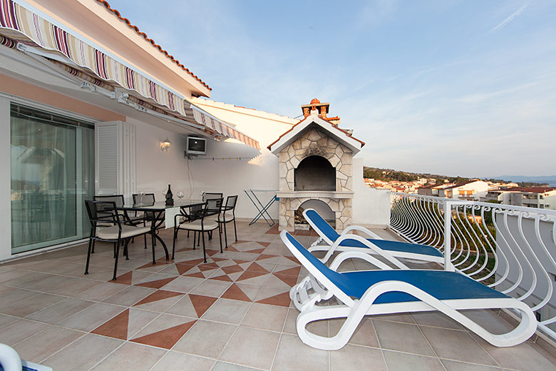 apartment Deluxe, Vila Fina, Tučepi, large terrace