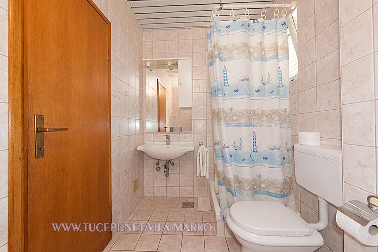Apartments Vila Marko, Tučepi - bathroom