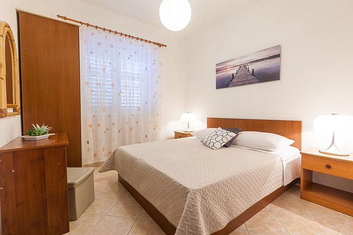 Apartments Vila Nela, Tučepi - bedhroom