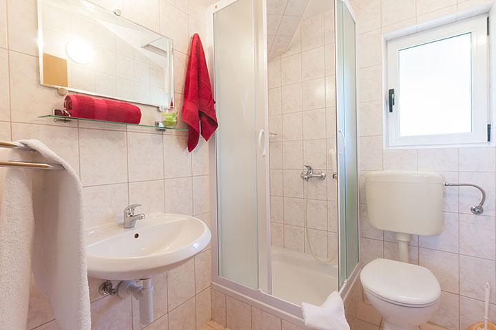bathroom, Apartments Vila Nela, Tučepi