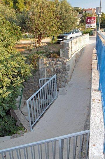 underpass, Vila Nela, Tučepi