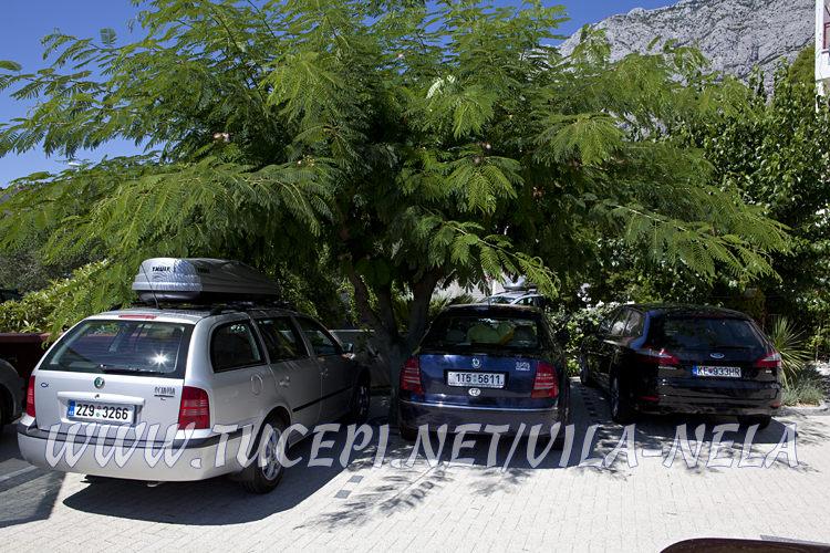 parking, Vila Nela, Tučepi