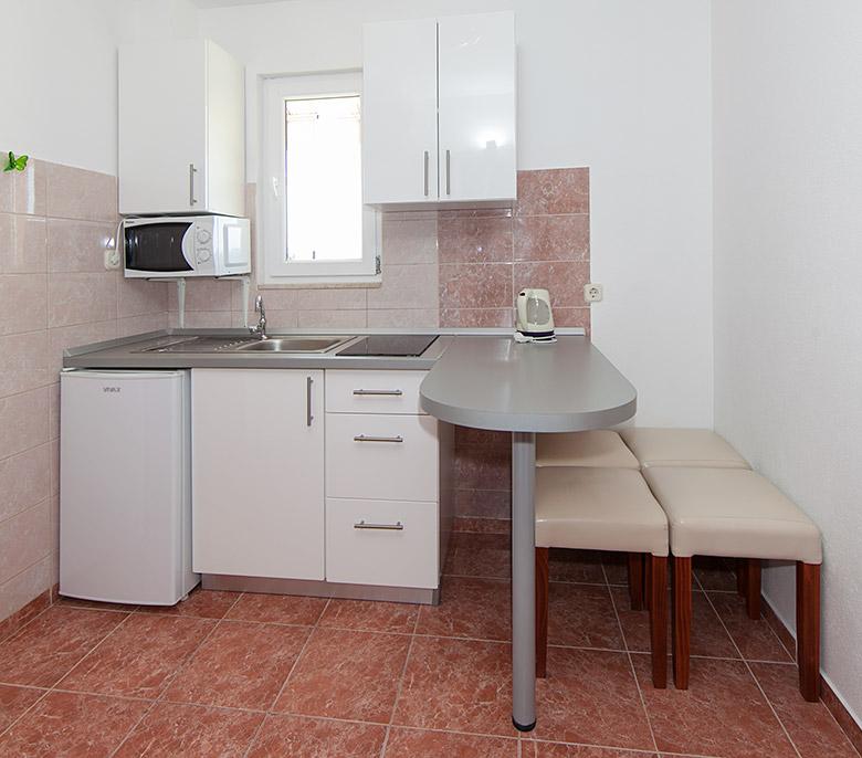 apartment Vitlić, Tučepi - kitchen
