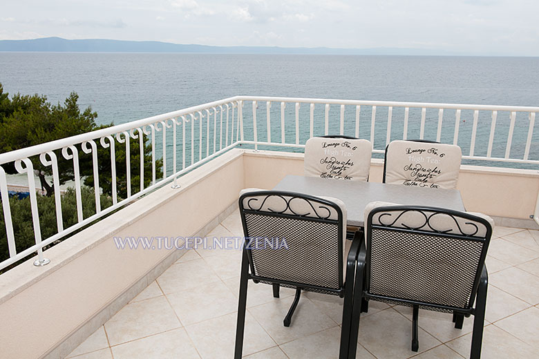 apartments Ženja, Tučepi - balcony with sea view